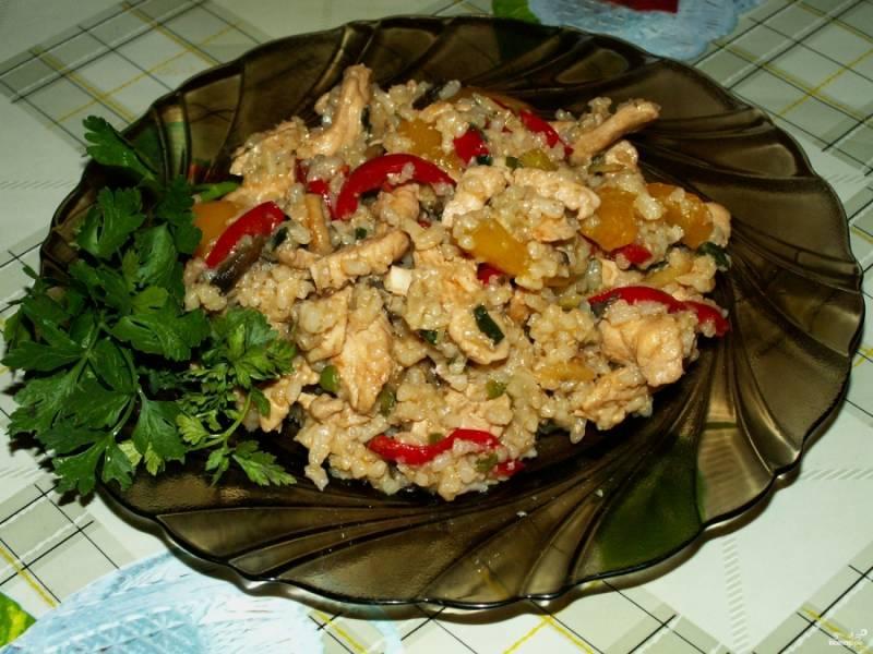 Рис с овощами и грибами готов! Приятного аппетита!