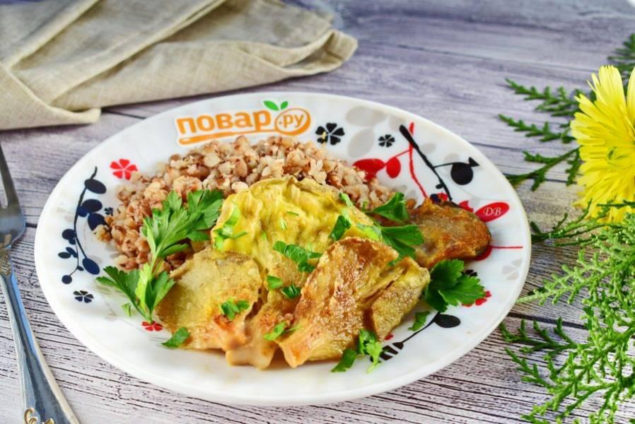 Подавайте с любимым гарниром  и свежей зеленью. Приятного аппетита!
