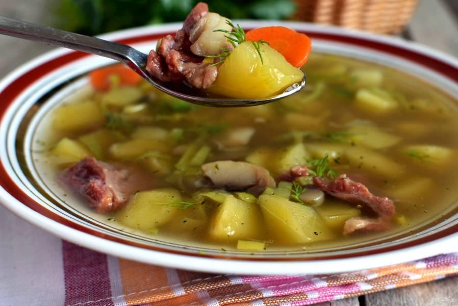 Суп картофельный с грибами и пореем