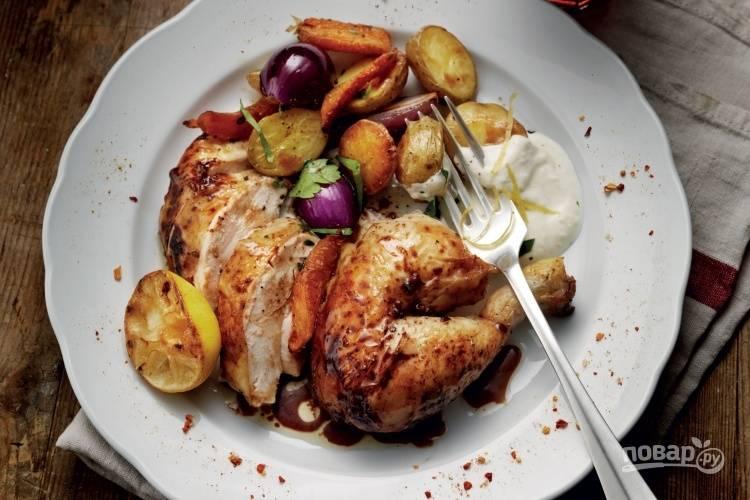 Курица с овощами в духовке