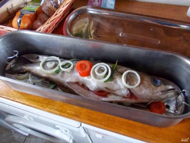 6. Поверхность сайды также покройте овощами. При желании можно добавить морковь и картофель.