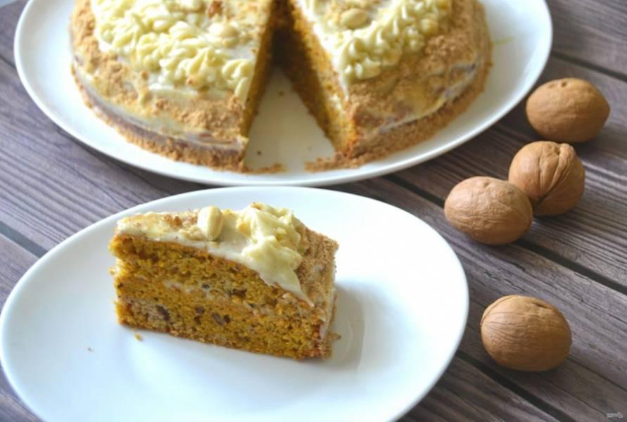 Торт должен настояться 2-3 часа, после чего его можно подавать к столу. Торт получился вкусный и ароматный! Приятного чаепития!