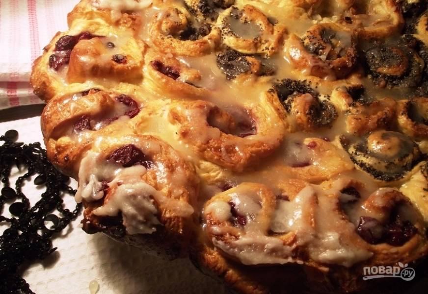 5. Вот такая красота получается на выходе! Румяный, вкусный и тающий во рту десерт!