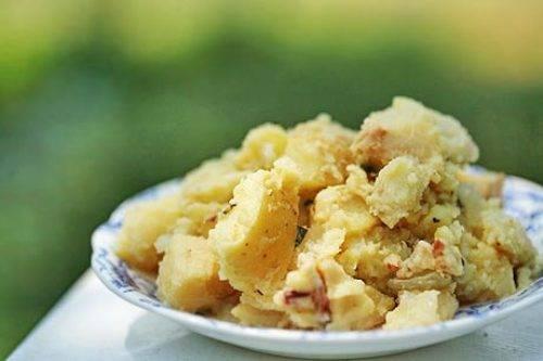 Салат с яблоками и картофелем