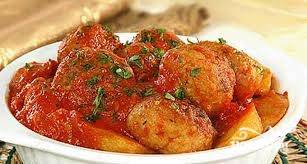 Такие тефтели особенно хороши с картофелем или овощным салатом. Приятного аппетита!