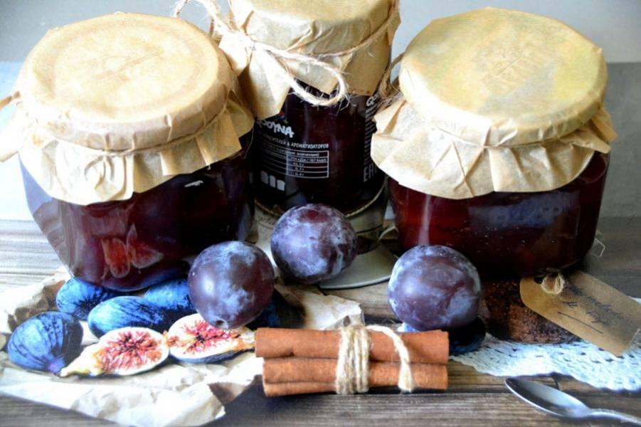Варенье получается ароматным и очень вкусным. Из такого количества продуктов получается около 1,4-1,5 литра варенья.
