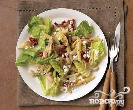 Салат с артишоками, пастой и помидорами