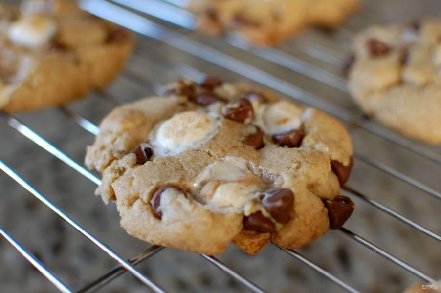 Печенье с шоколадом и зефирками