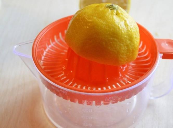 На следующий день добавьте к дыне лимонный сок и проварите после закипания 5 минут.