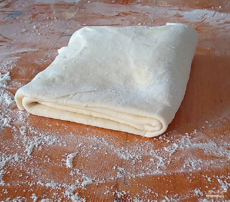 Из второго куска теста сделайте то же самое. Слоеное пресное тесто готово к приготовлению различных изделий. Приятного аппетита!