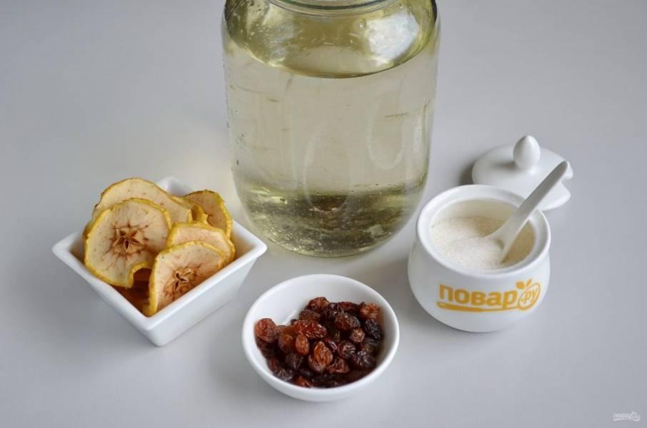 Подготовьте необходимые продукты, сок должен быть свежим, не менее 3 суток после сбора. Процедите его от мусора через марлю.