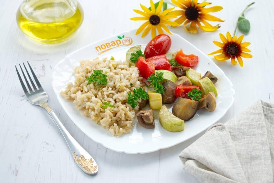 Рис с запеченными овощами