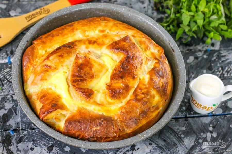 Готовое блюдо извлеките из духовки и дайте ему остыть до комнатной температуры.