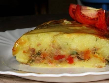 4. Смазываем верх запеканки чуть взбитым яйцом, отправим в духовку на полчаса. Запекаем при 200 градусах. Подаем горячим. Приятного аппетита!
