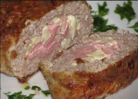3. Теперь можете готовить запеканку, рулет или котлеты, и быть уверенными, что мясо будет сочным, но при этом не разваливаться в процессе готовки!