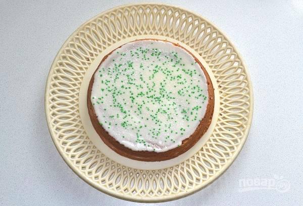 Украсьте тортик по желанию и оставьте на 3-4 часа пропитываться.
