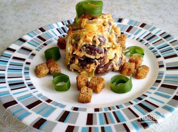 Заправьте блюдо майонезом или сметаной. Приятного аппетита!