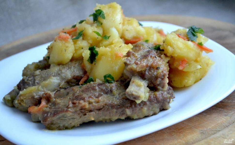 Мясо на ребрышках в духовке
