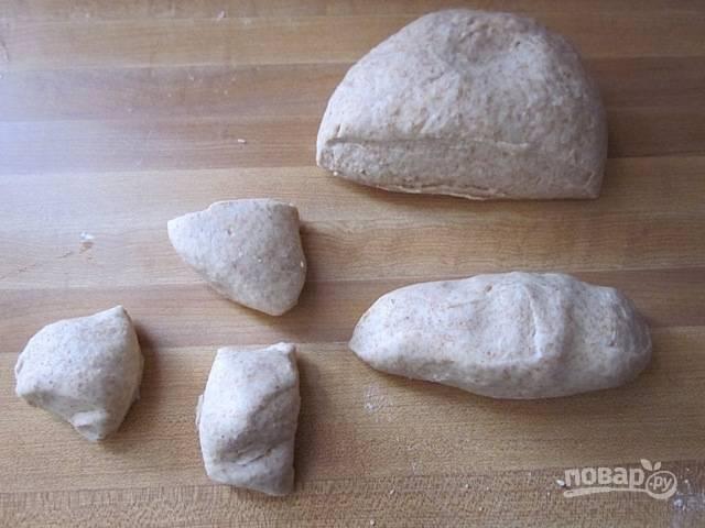 4.Разделите тесто на 12 частей.