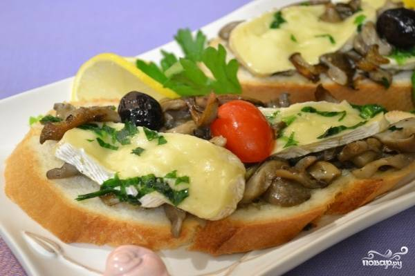 Грибы с сыром на сковороде