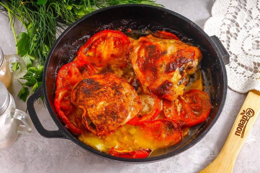 Готовое блюдо извлеките из духовки и дайте слегка остыть.
