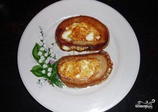 Бутерброды с яйцом на сковороде