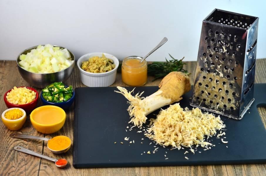 1. Подготовим все ингредиенты. Фрукты и овощи моем и измельчаем, как вам нравится. Яблоки я режу крупными кубиками, а все остальное измельчаю.