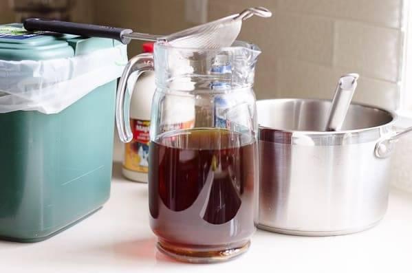 2. Процедите остывший чай.