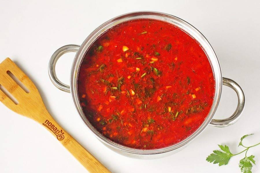 Дайте супу настояться 15-20 минут и подавайте его к столу.