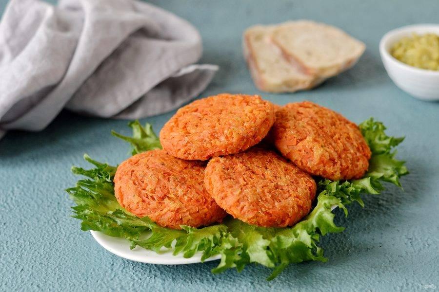 Веганские морковные котлеты готовы, приятного аппетита!