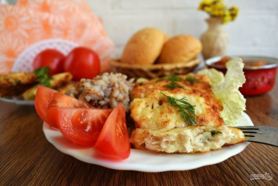 Подавайте к столу с любимым гарниром, свежими овощами и зеленью. Приятного аппетита!