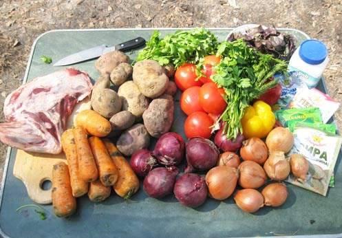 Подготовьте все необходимые ингредиенты, овощи промойте.