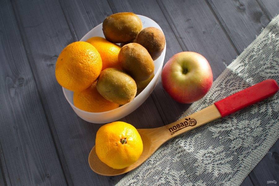 Подготовьте необходимые фрукты.