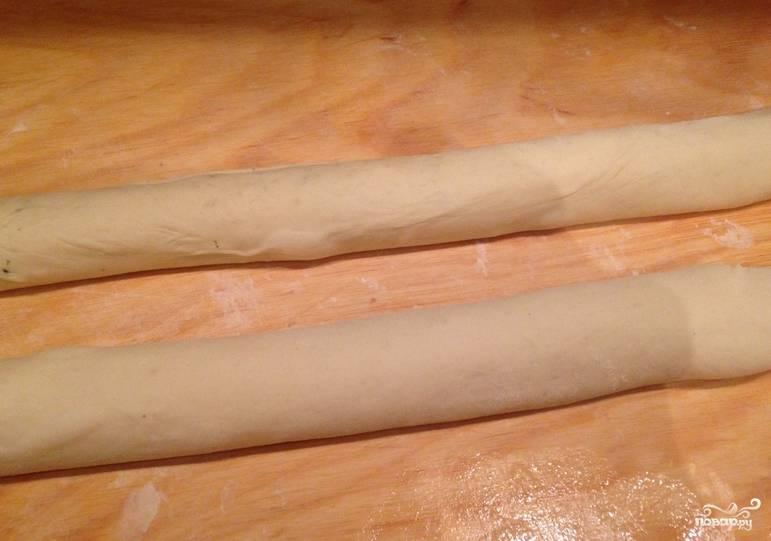Даем колбаске 10 минут полежать.