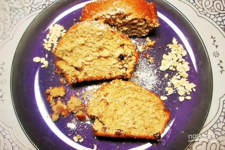 Запекайте пирог при 190 градусах в духовке в течение 40 минут. Приятного чаепития!