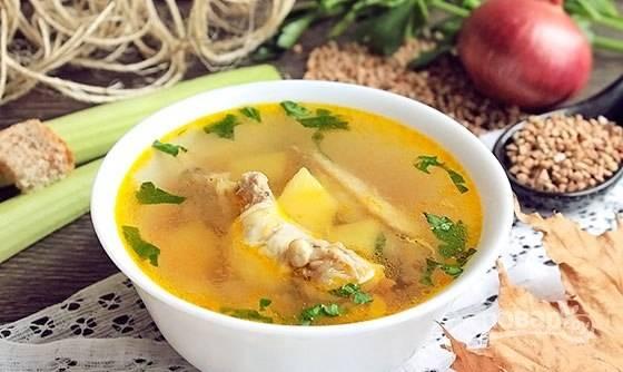 В готовый суп добавьте специи по вкусу. Приятного аппетита!