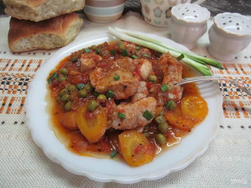 Мясо, тушеное в томатном соусе (Spеzzatino al pomodoro)