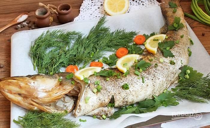 Запекайте судака в горячей духовке при 180 градусах в течение 50 минут. Подавайте с гарниром. Приятного аппетита!