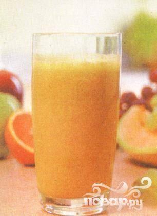 5. Когда напиток станет однородным, разлейте его по стаканам и тут же выпейте, чтобы в полной мере насладиться с любимым человеком вкусом «Фрукта страсти».