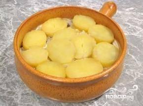 Следующий слой - оставшийся картофель.