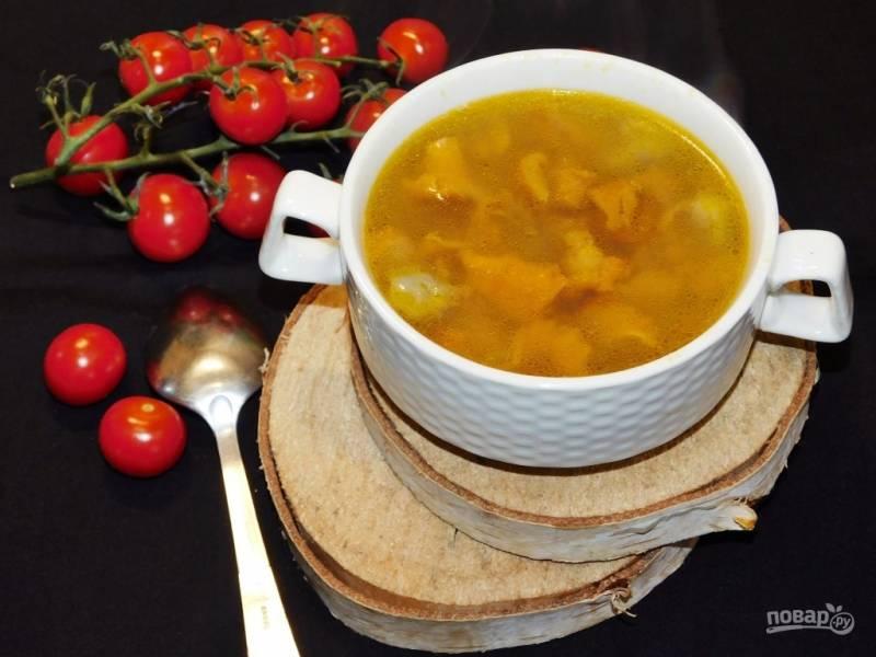 Простой грибной суп с лисичками