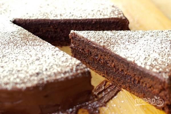 Шоколадный пирог в глазури
