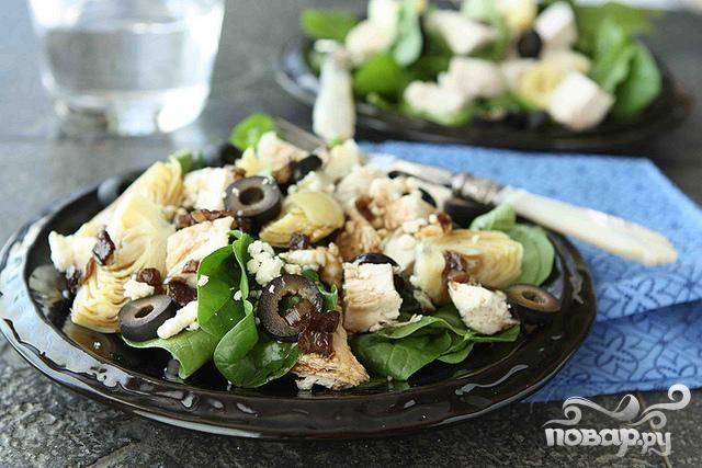 Салат с курицей, шпинатом и сыром