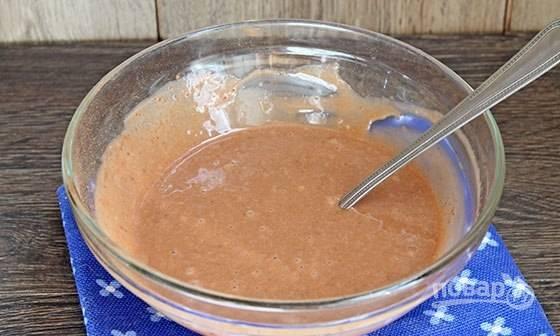 Полученное тесто разделите на 3 равные части. В одну добавьте какао.