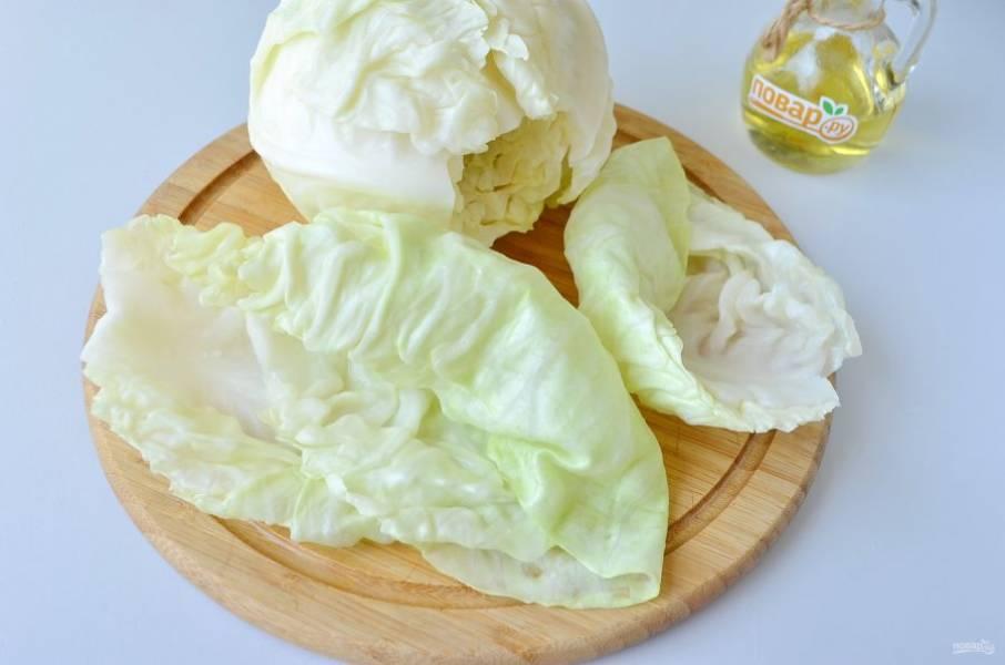 7. Проварите капустные листочки по пару минут до мягкости.