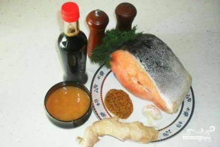Подготовим все необходимые ингредиенты для маринования двух больших стейков из семги.