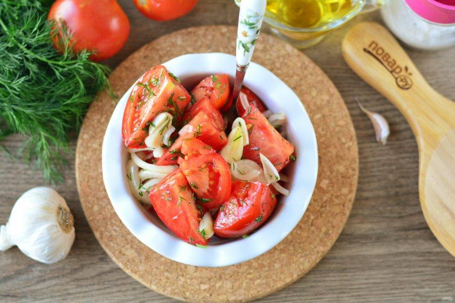 Спустя время готовые суточные помидоры подавайте к столу. Приятного аппетита!