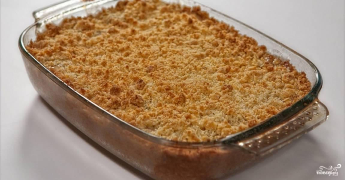 5.Выпекайте в духовке при температуре 180 °С 40-45 минут. Голландский яблочный пай готов! Приятного аппетита!