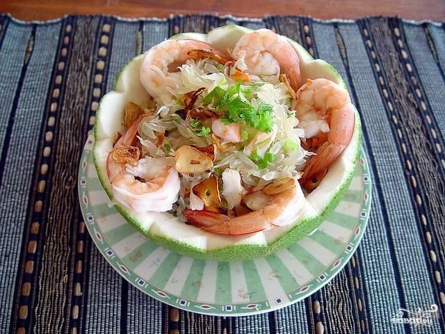 Салат из помело и креветок
