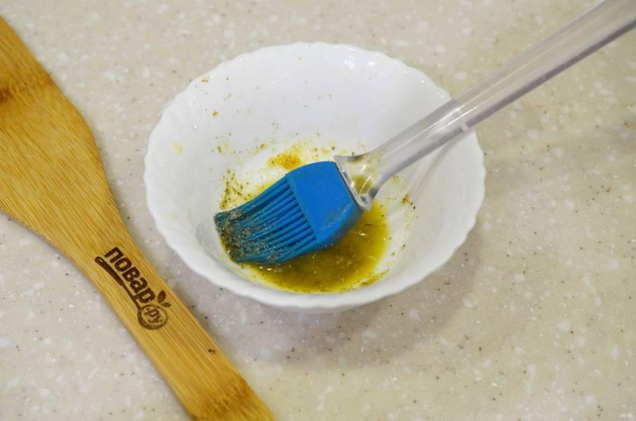 4. Растопите сливочное масло, добавьте все приправы.
